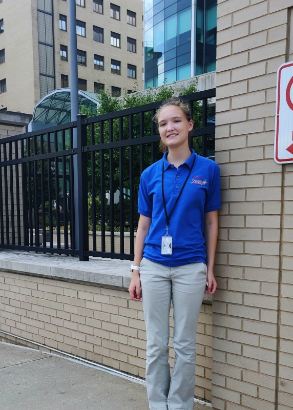 Alyse Fay, '21 Completes 80 Hours of Volunteer Work